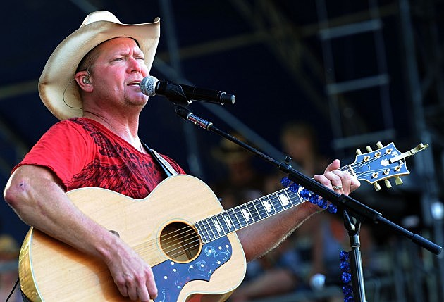 Tracy Lawrence will be coming to Quincy.