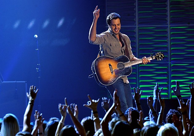 Is Luke Bryan the Only ACM Entertainer of the Year That Has Not Won a CMA Award?