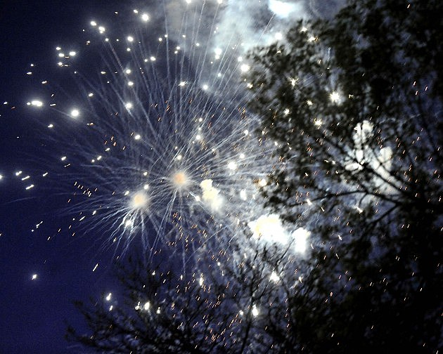 July 4th Fireworks shows in the Quincy, IL and Hannibal, MO area.