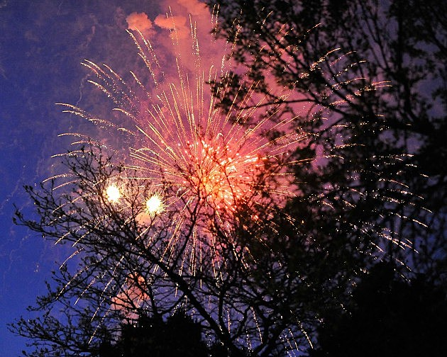 Fourth of July fireworks in Quincy IL and Hannibal MO