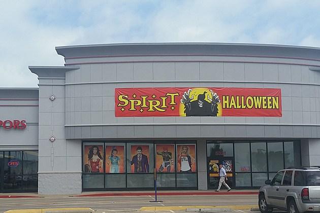 img_20160824_112510 - Spirit Halloween Store 2016
