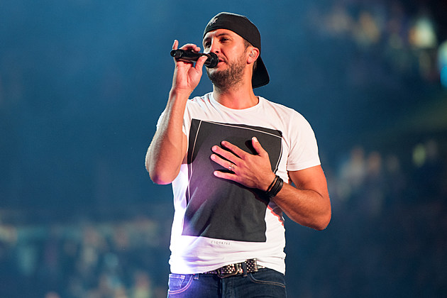 Luke Bryan's Kick The Dust Up Tour - Chicago, IL